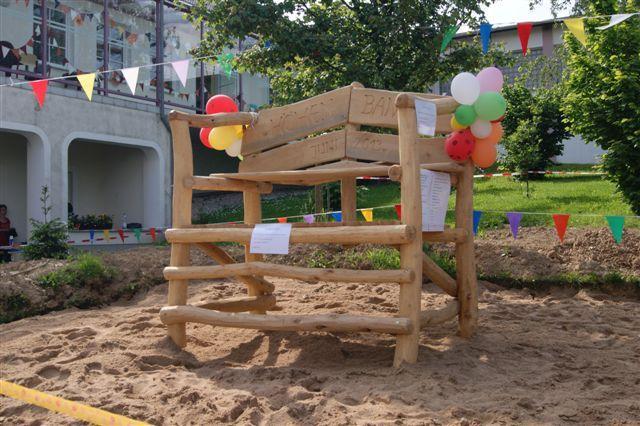 Klettergerüst Aus Baumstämmen : Bauanleitung für ein klettergerüst mit wackelbrücke